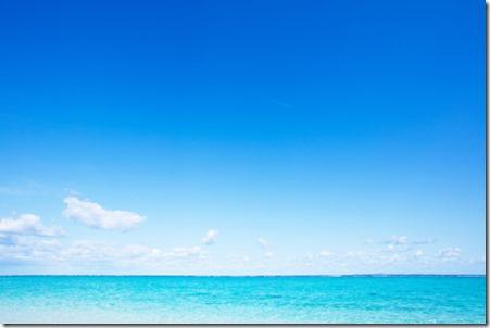 青い空と海。
