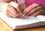 調査で実証された、書くだけで幸せ度が高まる方法。ジャーナリングとは?